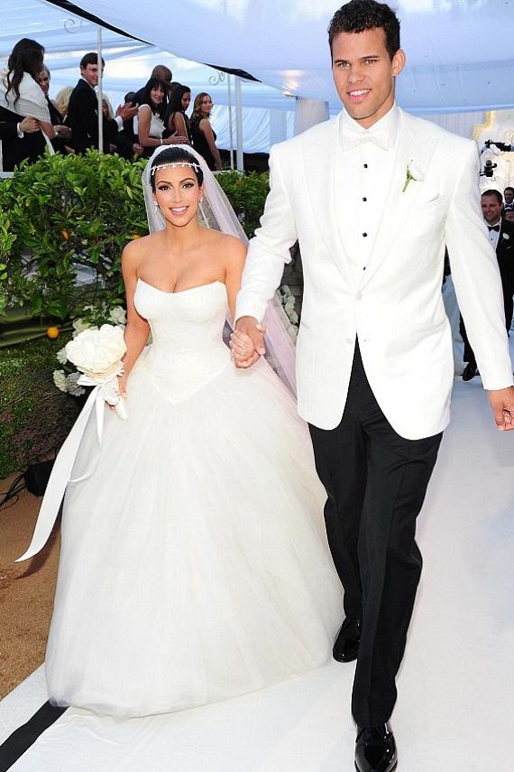 A valóságshow-királynő Kim Kardashian és első férje, Kris Humphries csak 72 napig bírták együtt. Mire az E! csatornán leadták az esküvői felvételüket, már be is adták a válókeresetet.