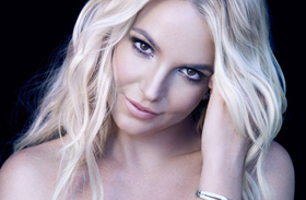 Britney Spears fehérneműs tánc