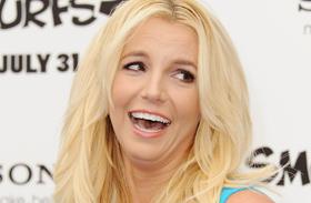 Britney testén szétszakadt a ruha