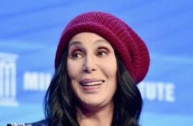 A 70 éves Cher plasztika