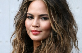 Chrissy Teigen American Music Awards 2016 divatbaki