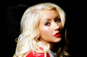 Christina Aguilera vörös haj