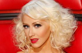 Christina Aguilera Facebook Voice visszatér