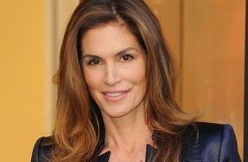 Cindy Crawford bugyiban