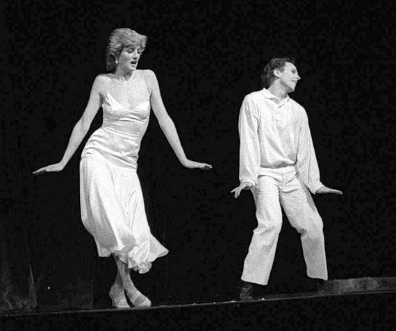 Diana kiskorában balerina szeretett volna lenni, egy estére pedig valóra is válhatott az álma. A Királyi Operaházban lépett fel barátjával, Wayne Sleeppel, akivel Billy Joel Uptown Girl című dalára táncoltak a közönség előtt.