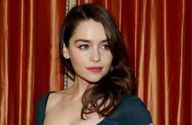 Emilia Clarke kövér