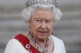 Erzsébet királynő kislányként