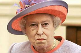 Erzsébet királynő dühös Carole Middletonra