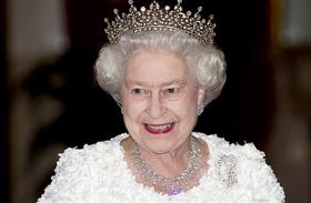 Erzsébet Vilmosnak adná a koronát