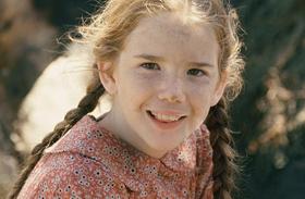 Képeken az egykori vörös hajú kislányok