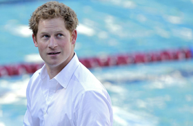 Harry herceg jótékony