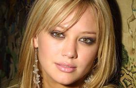 Hilary Duff bikiniben