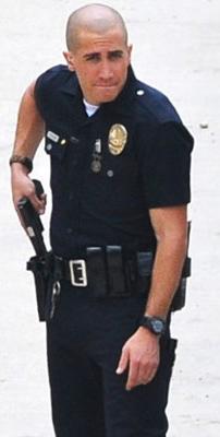 Tar kopasz zsaruként