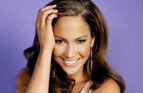 Jennifer Lopez átlátszó ruha 47. születésnap