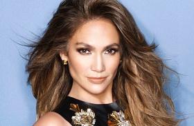 Jennifer Lopez legmerészebb dekoltázsok