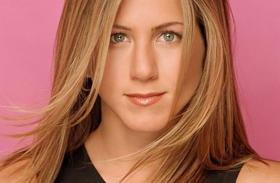 Jennifer Aniston frizurái az évek során