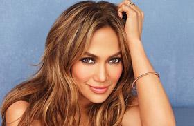 Jennifer Lopez Instagramon mutatta meg alakját
