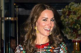 Katalin hercegné sztárok egyforma ruha