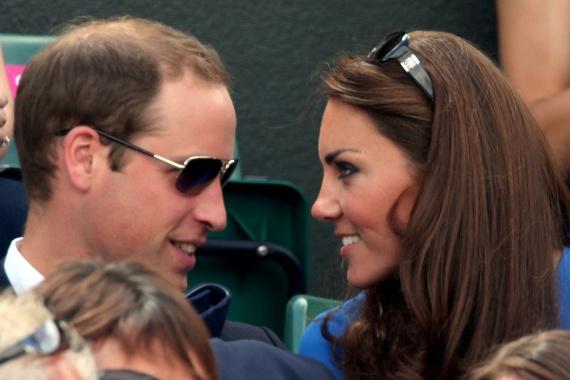 A kapcsolatuk elején sokan kételkedtek Katalin szerelmében - alacsonyabb származása miatt -, azonban az ilyen pillanatok bizonyítják, mennyire odavannak egymásért Vilmossal.