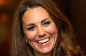 Katalin hercegné sárga kabát teadélután