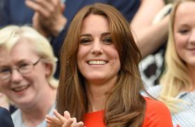Katalin hercegnő tűzpiros ruhában tündökölt fotók