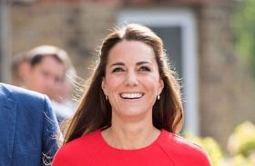Katalin hercegné piros ruha