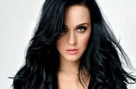 Katy Perry merész ruha