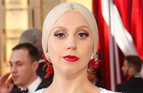Lady Gaga meghízott
