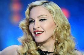 Madonna ikerlányai énekelnek