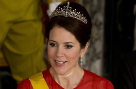 Mária dán hercegnő katonaruha