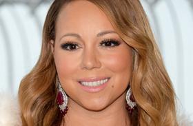 Mariah Carey melle kibuggyant fotók