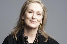 Meryl Streep kígyóbőr ruha