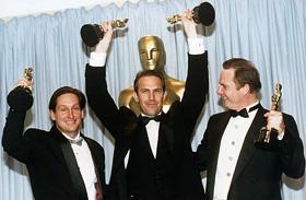 Michael Blake Oscar-díjas forgatókönyvíró meghalt