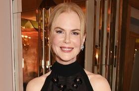 Nicole Kidman átlátszó csipkeruha