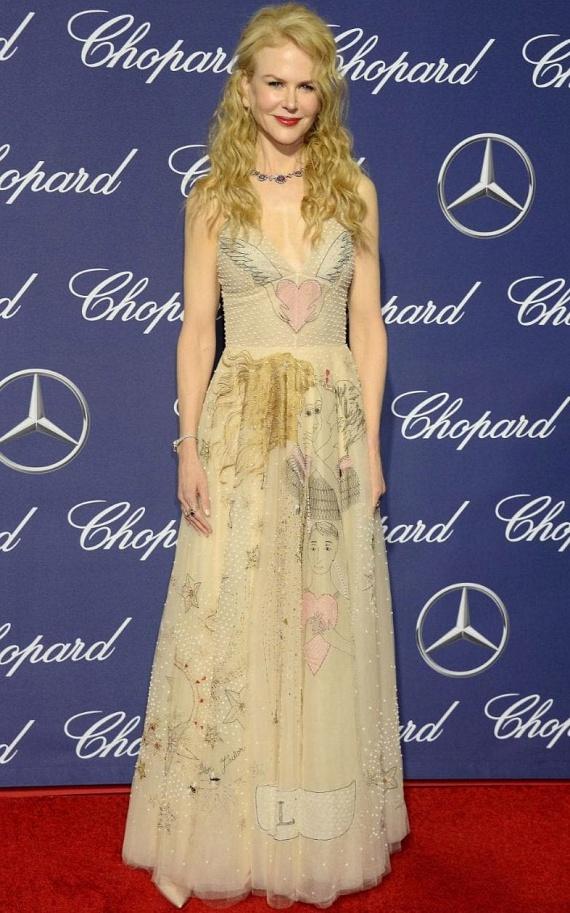 Nicole Kidman ismét a régi fényében tündököl - határozottan jót tesz neki, hogy végre távozni látszik a botox az arcából.