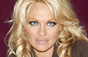 Pamela Anderson leállt a botoxszal fotók