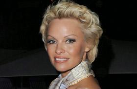 Pamela Anderson villantás Las Vegasban