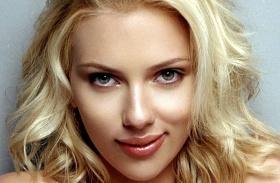 Scarlett Johansson narancsbőr