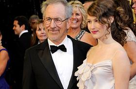Már 15 éves! Igéző szépséggé érett Steven Spielberg legkisebb lánya