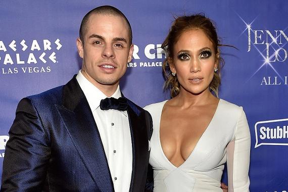 Hiába a 17 év korkülönbség, Casper Smart nem bírt ellenállni Jennifer Lopez csábításának. Komoly a kapcsolat, az énekesnő elképzelhetőnek tartja, hogy Casper legyen a negyedik férje.