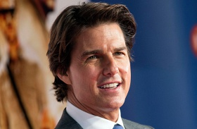 Tom Cruise meglátogatta Surit