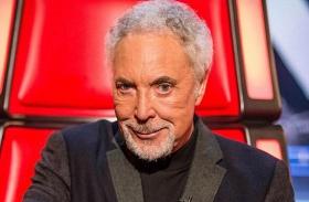 Tom Jones kirúgták Voice