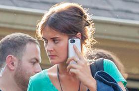 Tom Cruise Katie Holmes hasonmásával jár