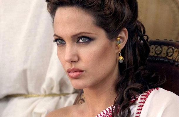 Készül az újabb Kleopátra mozi Angelina Jolie-val