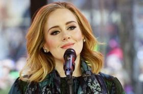 Így fesd meg Adele cicaszemeit
