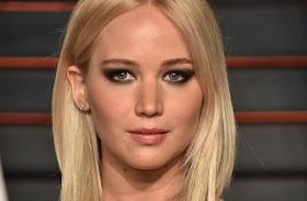 X-men premier Jennifer Lawrence dekoltázs