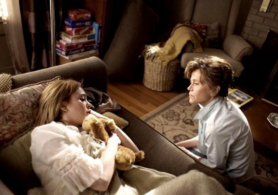 Anya, lánya, unokája, 2007: látszólag egy vígjátékról van szó, ám valójában komoly témákat feszeget ez a film: problémás tinédzser, alkoholproblémákkal küzdő édesanya, generációk közti különbségek, egymás meg nem értése. Keserédes, tanulságos történet.
