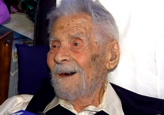 A New York-i születésű Alexander Imich 111 évet élt, ami férfiak esetében még ritkább, mint nőknél. Hosszú életének okát az absztinenciában és az egészséges táplálkozásban látta: sok csirkét és a halat evett. Fiatalabb korában pedig rendszeresen sportolt, úszott.