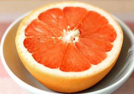 Tégy tíz csepp grépfrútmagkivonatot két deciliter vízbe, majd öblögess vele a fogmosást vagy étkezést követően.