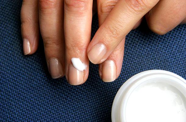 miért fáj a köröm és a kéz ízületei a kéz és a láb kicsi ízületeinek ízületi gyulladása okozza
